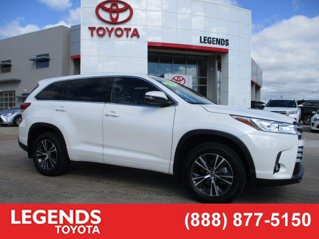 Pre Owned 2018 Toyota Highlander Le Plus
